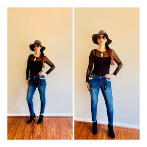 Bebe Pearl Skinny Distressed Jeans/Sz:28/NWT
